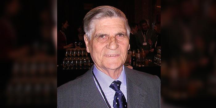Homenaje al Dr. Raúl Casas Olascoaga